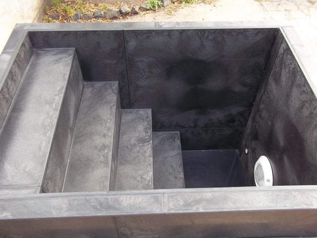 Ochlazovací kád - bazének - do sauny - se schodištěm LAMIPLASTIK